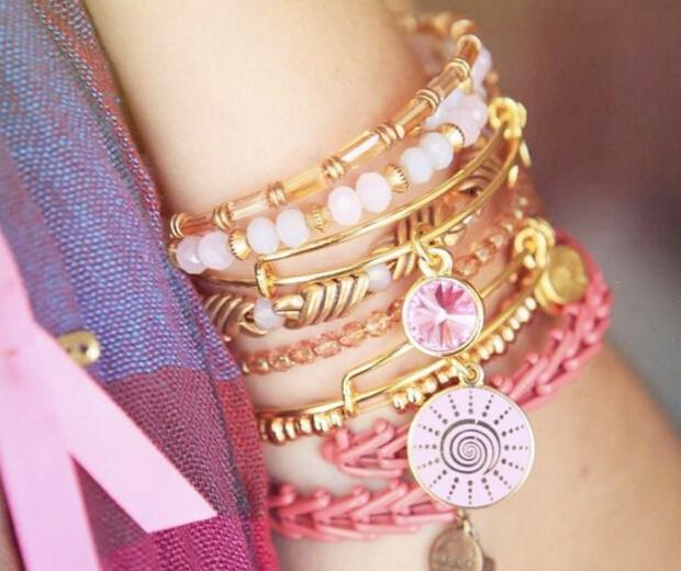 charm bracelet珠宝吊饰让每个人都患上选择困难症