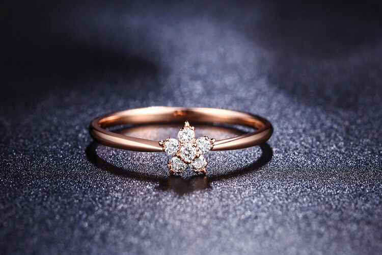 千禧之星珠宝18K玫瑰金群镶钻石戒指_珠宝图片