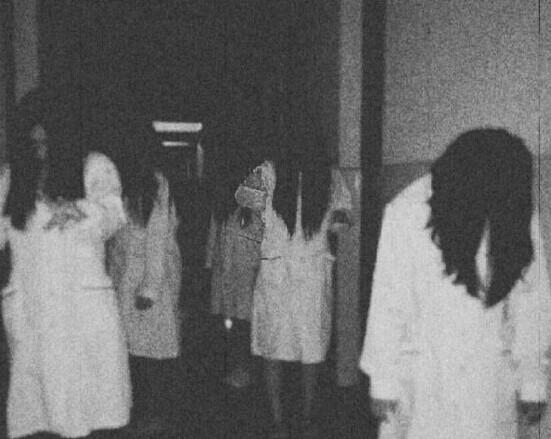 5月30日,咸宁某女生卫校5名寝室v女生创意恐怖毕业照.字四个的女生cf图片