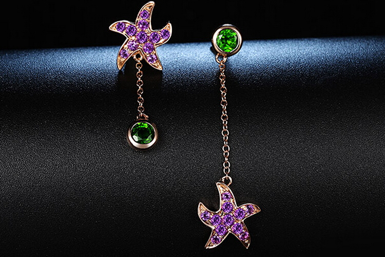 p>宝石类型:其他 款式:耳环 镶嵌材质:其他 品牌:enzo /p>图片