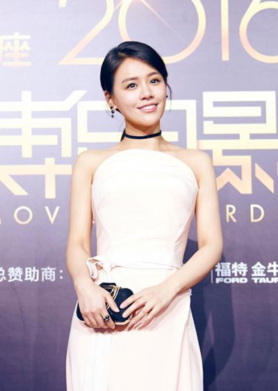 马思纯佩戴宝曼兰朵珠宝现身2016微博电影之夜