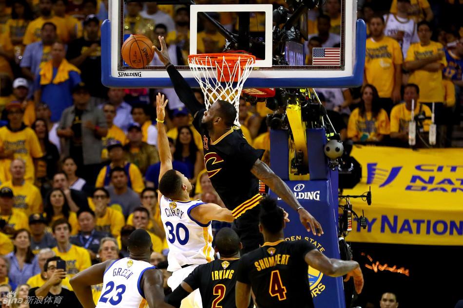 NBA:詹皇三双骑士夺队史首冠 库里17分勇士输抢七