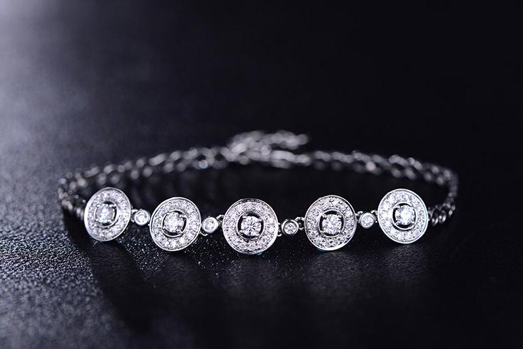 ENZO珠宝白18K金钻石手镯炫耀系列_珠宝图片