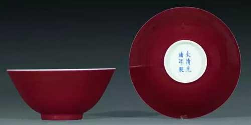 最美中国红:中国红瓷器收藏鉴赏