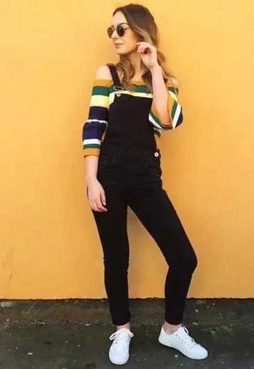 减龄穿衣搭配造型示范 背带裤上身大妈也能变少女