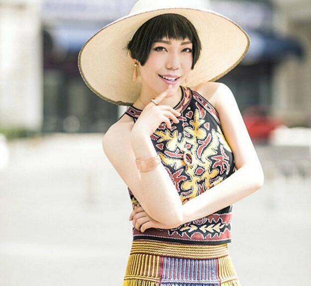 吴莫愁为《芭莎珠宝》拍大片 造型鬼马活力十足