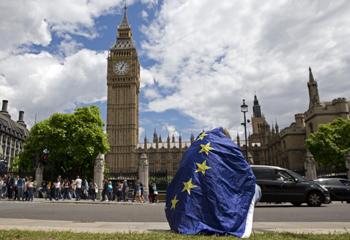 """英国""""脱欧""""负面效应显著 自身经济恐成""""牺牲品"""""""