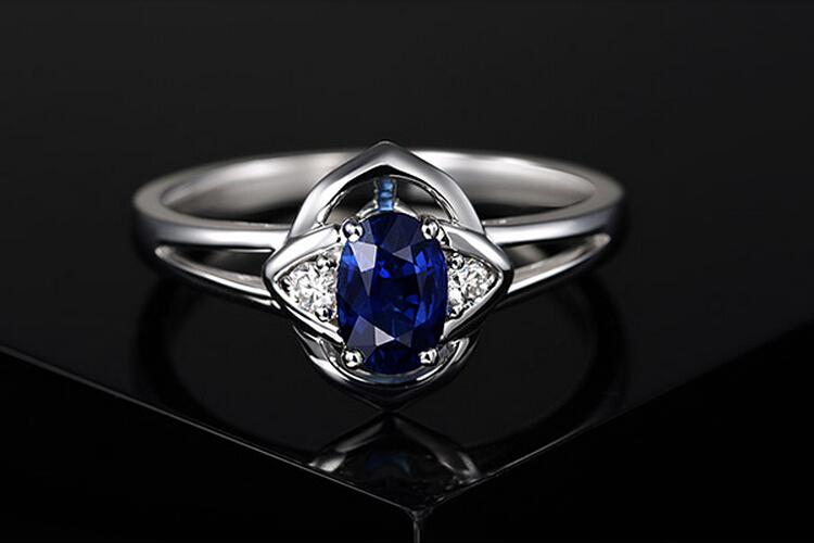 ENZO珠宝白18K金天然蓝宝石彩宝戒指_珠宝图片