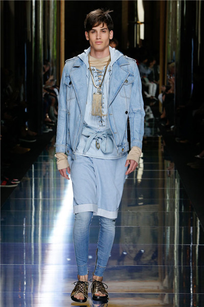 Balmain于巴黎时装周发布2017春夏男装系列