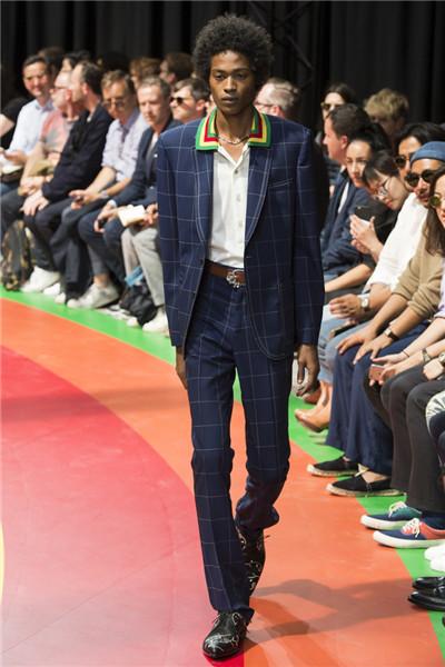 Paul Smith于巴黎时装周发布2017春夏男装系列
