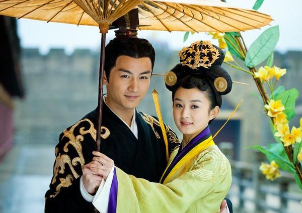 颜值低居然敢和陈伟霆抢女友 赵丽颖爱的难道是他?