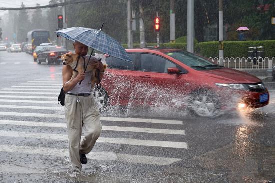 北京暴雨橙色预警最高级别防汛响应 北京暴雨太突然车辆还没买车险