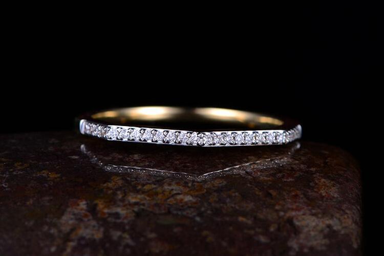 ENZO珠黄18K金群镶钻石戒指_珠宝图片