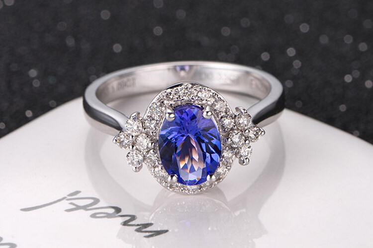 ENZO珠宝白18K金坦桑石戒指_珠宝图片