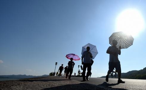 世界气象组织:二氧化碳超警戒线 2016或成为最热一年