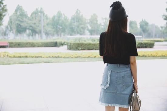 达人夏装穿衣搭配示范 T恤+半身裙机智又省钱