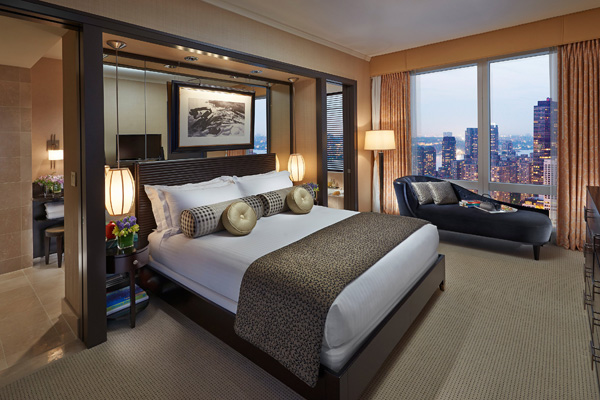 纽约文华东方酒店于7月1日推出MO熊猫俱乐部