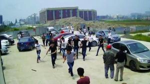 政协委员遭围殴头破血流:因合同与开发商发生纠纷遭打