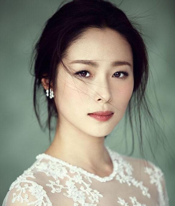 江一燕时尚珠宝大片 美貌与智慧并存的女子惹人爱!