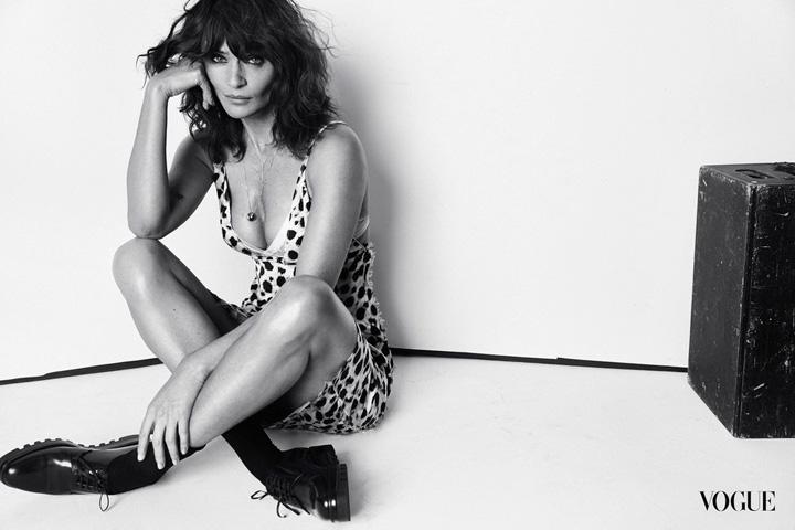 超模helena christensen为《vogue》杂志拍摄时尚写真图片