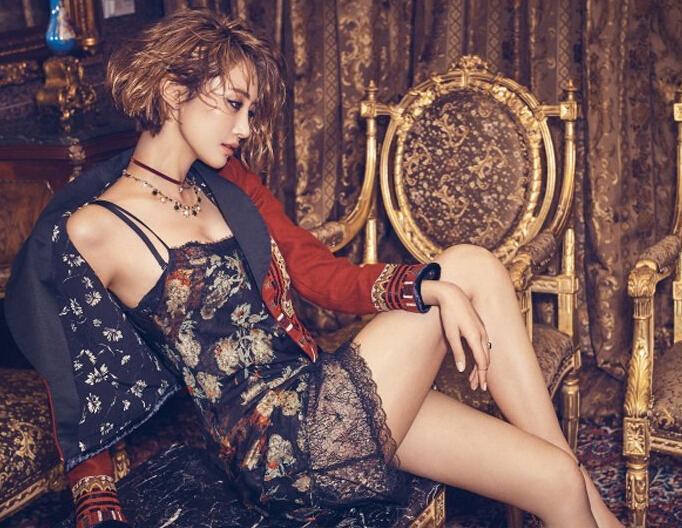 高俊熙最新珠宝大片 吊带睡裙装展极致性感
