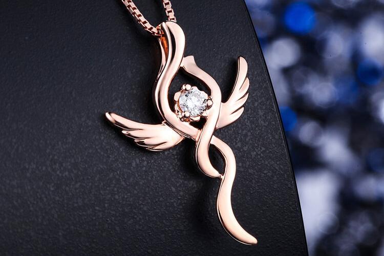 周六福珠宝18K玫瑰金天使之吻钻石吊坠_珠宝图片