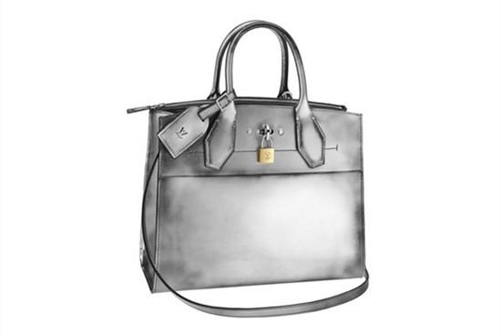 路易威登携手法国春天百货推出独家产品系列箱包