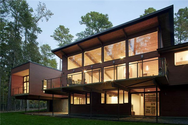 Stoneridge豪宅:充满着六十年代风格的翻修住宅