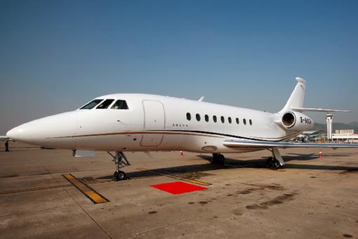 猎鹰2000:终极双引擎洲际宽体公务私人飞机
