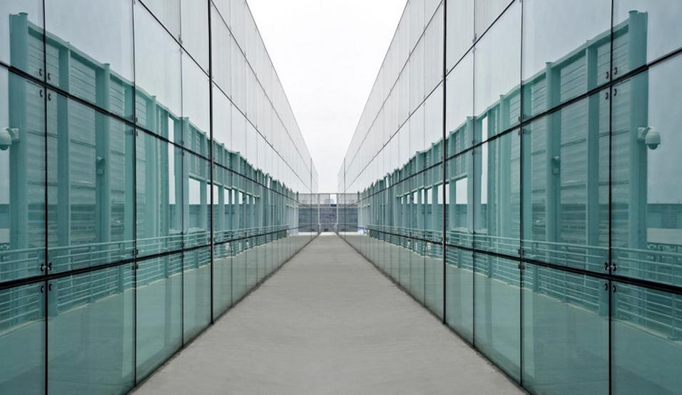 玻璃现货市场旺季不旺 期货或保持高位震荡