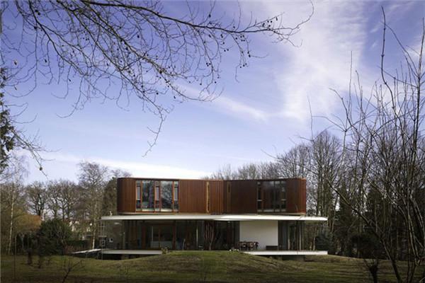 坐落在瓦格寧根萊茵河的Nefkens豪宅