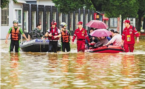 钱塘江流域大洪水:浙江全省转移15万人 直接经济损失超十亿