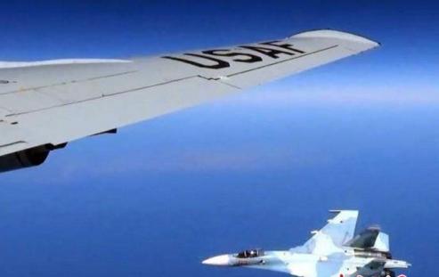 """俄危险拦截美战机 美方飞机做出""""挑衅性""""飞行动作"""