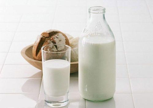 全脂乳粉持续上行 中期奶价仍存上行动力