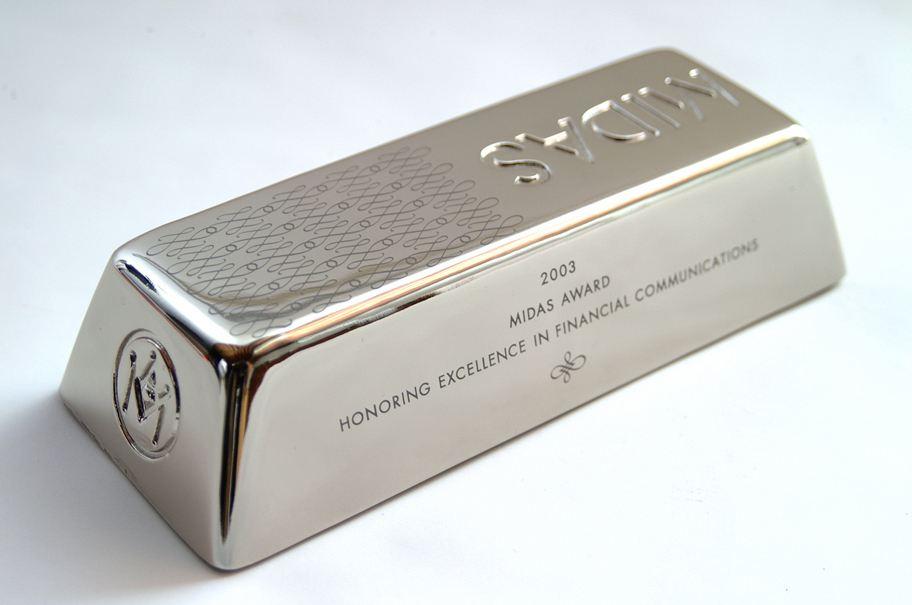 经济进入黑夜 低位徘徊的黄金和白银很快就会迎来上涨