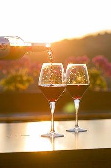 葡萄酒酒标中包含哪些信息?