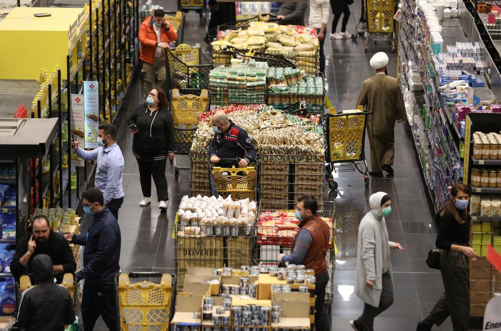 食品涨价4倍 汇率1:15000!通胀击溃了黎巴嫩金融!