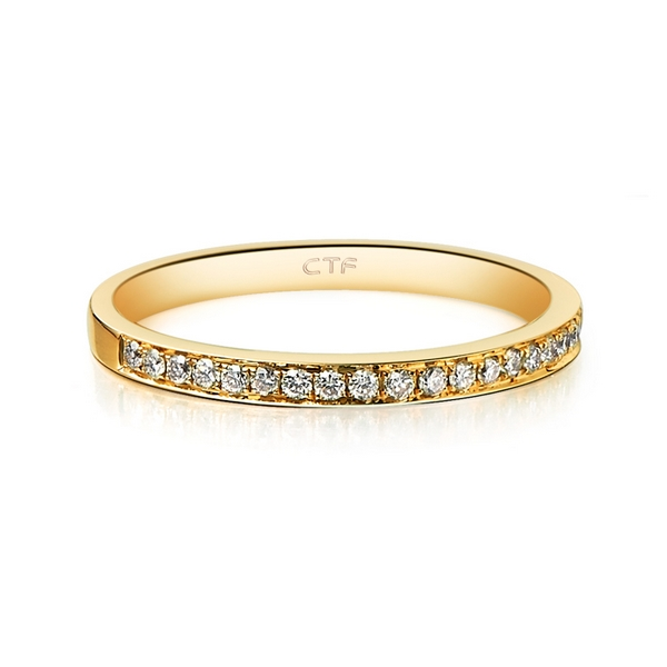 周大福镶钻石逸彩系列戒指