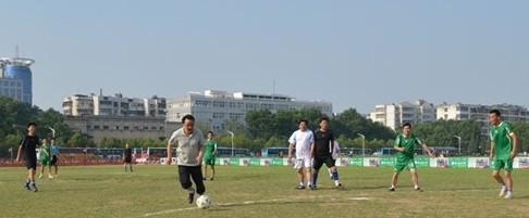 蚌埠市直机关足球赛 市长独领风骚进4球