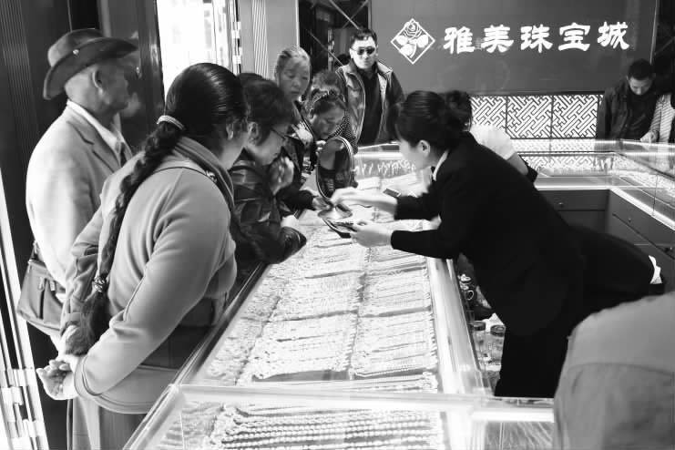 中秋节将至 拉萨市场黄金首饰消费火爆