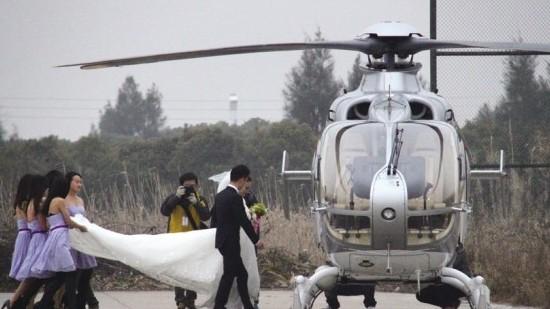 """浪漫直升机婚礼让飞机租赁""""火""""了起来"""