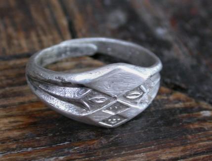 925银戒指多少钱