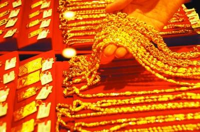 鲜花销量却大降 黄金首饰是情人节礼物新宠