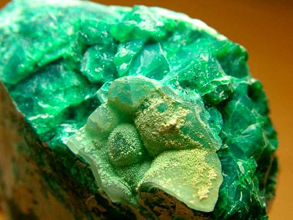 孔雀石主要含有什么成分