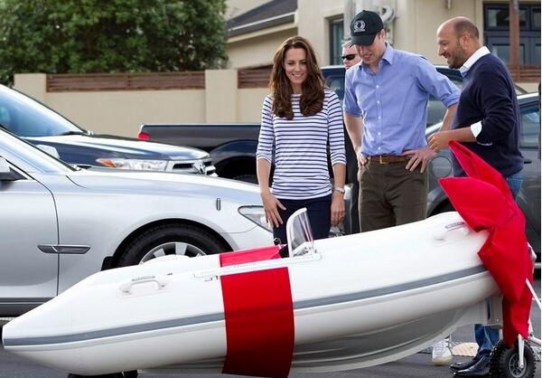 英国乔治小王子出行澳洲获私人游艇