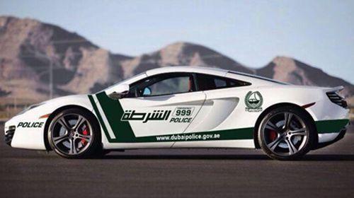 全宇宙最奢侈警局 迪拜警察巡逻都用超级跑车