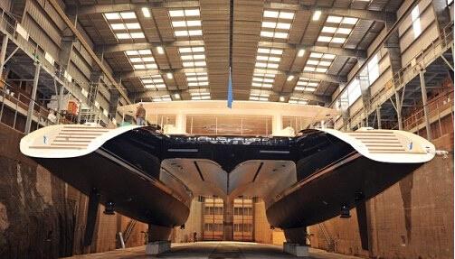 世界上最大的豪华游艇入水 每周租金需17.29万英镑