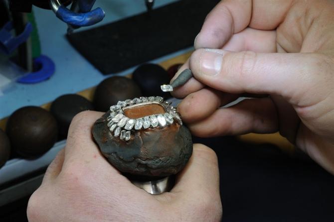 珠宝私人定制有怎样的规则与步骤