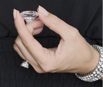 莫桑石与钻石的区别