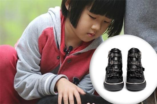 贝儿穿ASH运动鞋参加《爸爸2》 你知道这个牌子么?